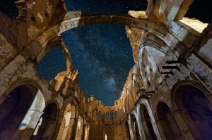 san martin de tours belchite at night