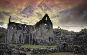 tintern-abbey red sky